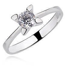 Silver (925) ring white zirconia with 4 prong setting