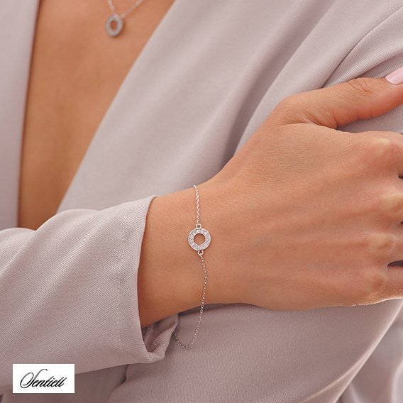 Silver (925) bracelet with round pendant and zirconia